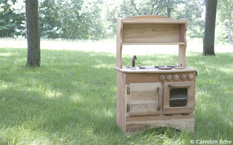 Made in the USA, the Simple Hearth play kitchen nurtures the imagination. A chemical-free, non-toxic toy, handcrafted in fine detail to last for generations.